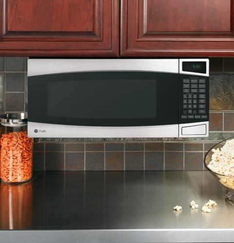 Under Counter Microwave For Easier Works: GE Spacemaker II® Microwave Oven