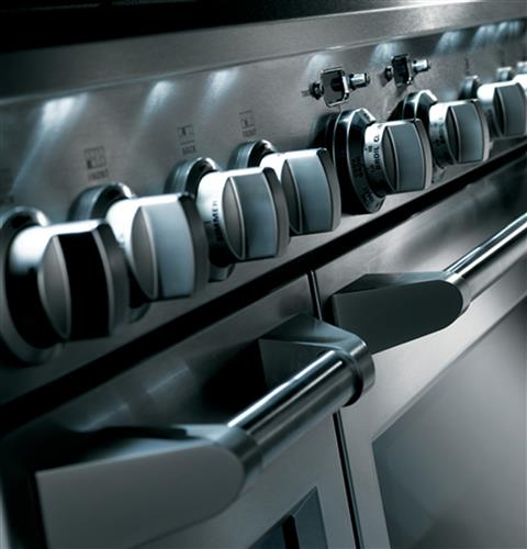 "Thumbnail of Monogram 36"" Dual-Fuel Professional Range with 6 Burners (Natural Gas) 3"