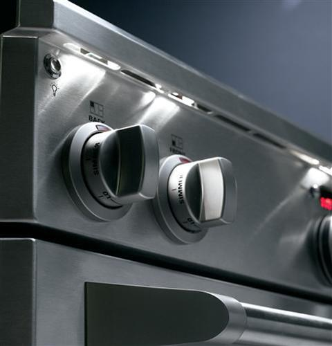 "Thumbnail of Monogram 30"" Dual-Fuel Professional Range with 4 Burners (Natural Gas) 6"