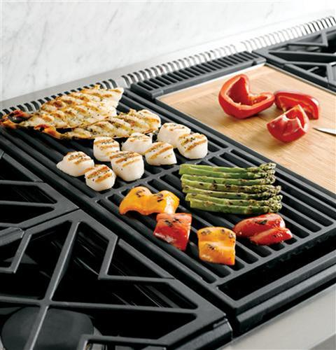 """Thumbnail of Monogram 36"""" Dual-Fuel Professional Range with 4 Burners and Grill (Natural Gas) 7"""