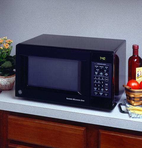 Ge 174 Compact 7 Cu Ft Capacity Microwave Oven Je740gy
