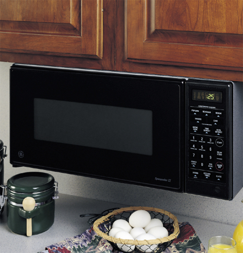 Ge Spacemaker Ii 174 9 Cu Ft Capacity 800 Watt Microwave