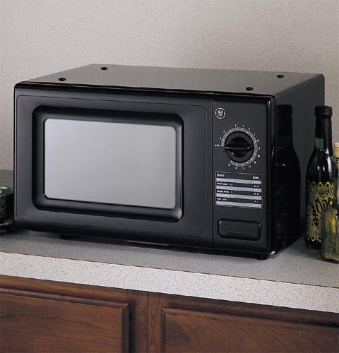 Ge Compact 7 Cu Ft Capacity 700 Watt Microwave Oven With Mechanical Dial Control Je710ba Liances
