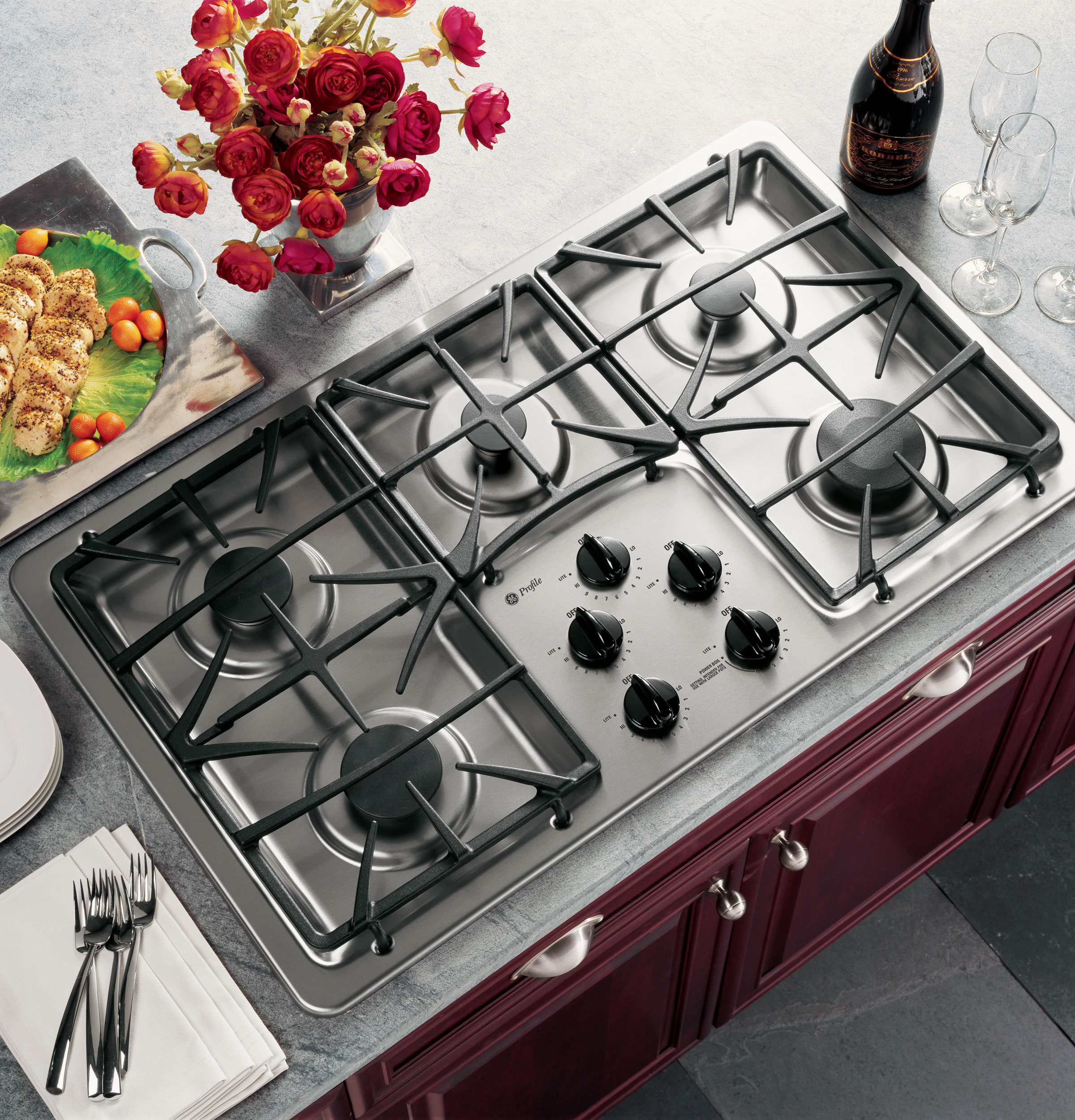 GE ProfileTM 36 Built In Gas Cooktop