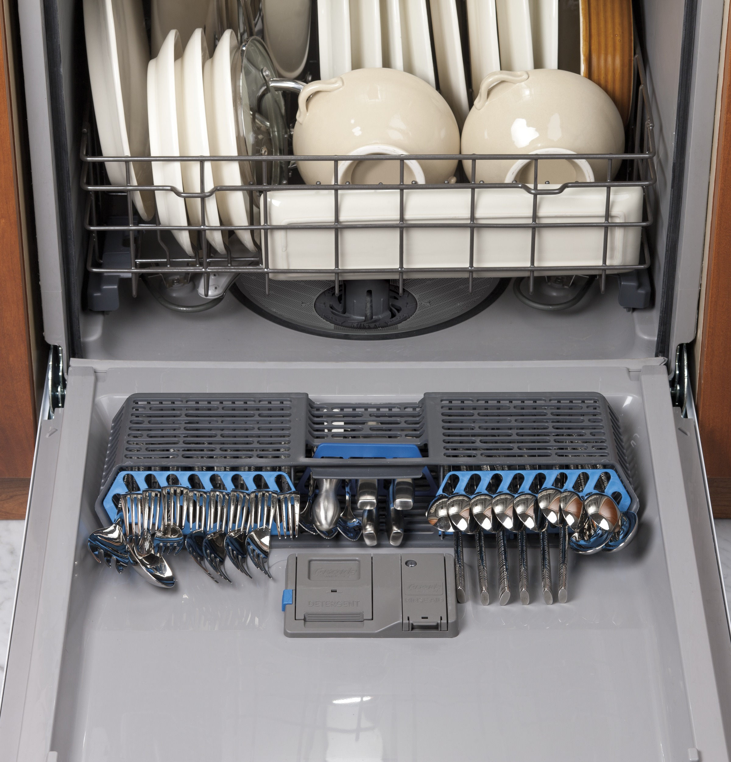 General Electric Dishwasher Troubleshooting Gear Dishwasher With Front Controls Gdf520pgdcc Ge Appliances