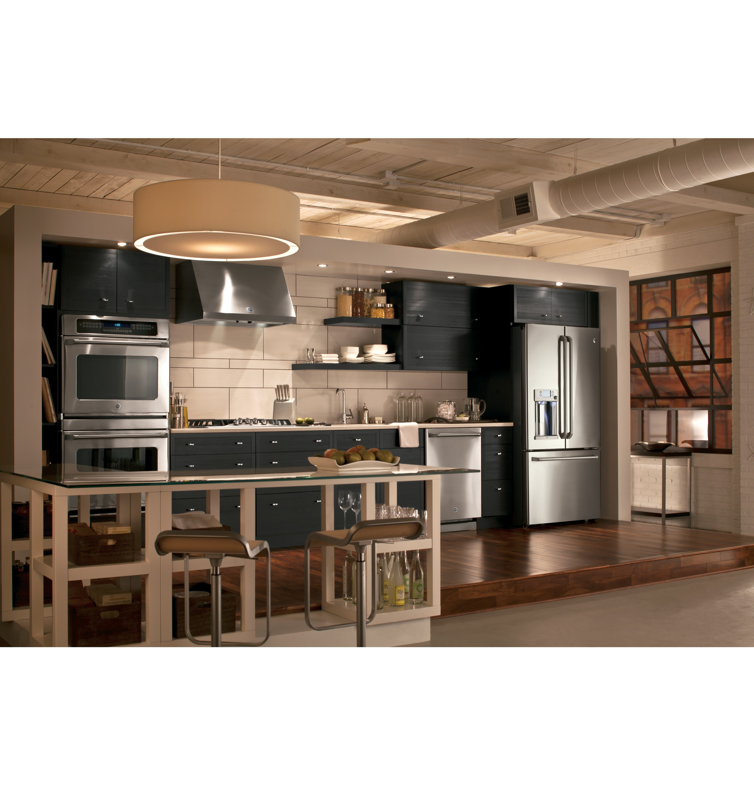 Stainless steel appliance design for a modern kitchen | GE Appliance