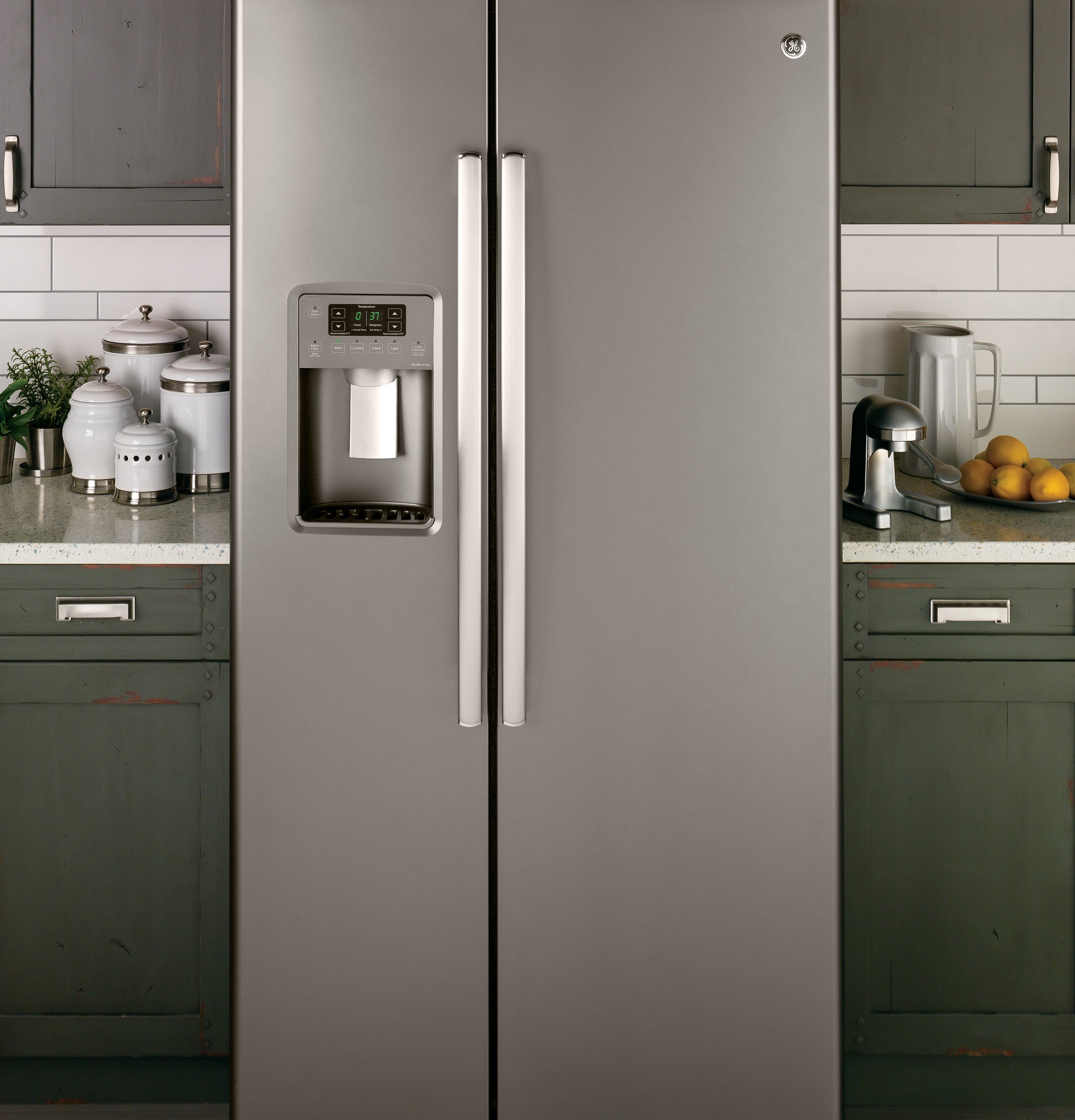 Adora Series By Ge 174 25 9 Cu Ft Side By Side Refrigerator