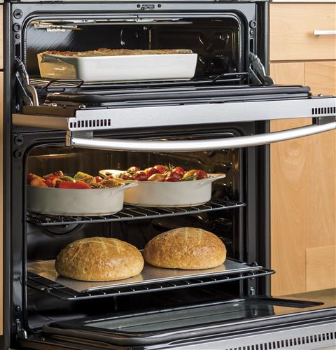 Double oven 6.6 cu. ft. total oven capacity