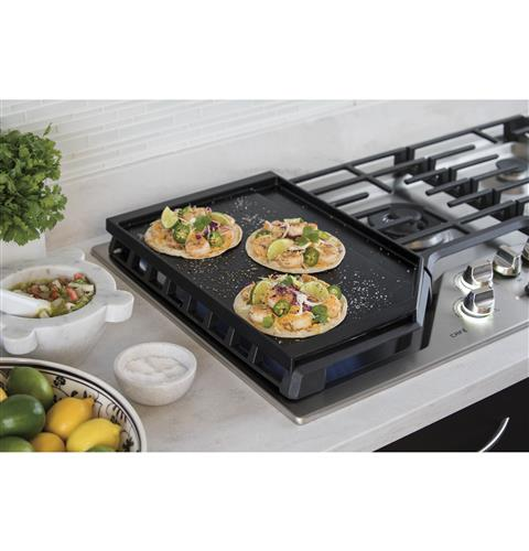 Extra-large, integrated cooktop griddle