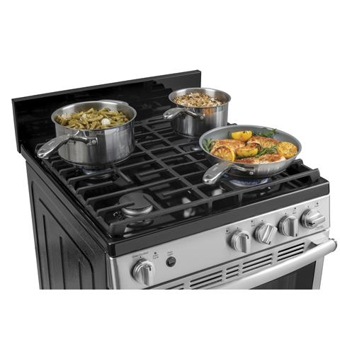 Edge-to-edge cooktop with heavy-cast grates