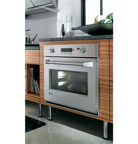 "Thumbnail of Monogram 36"" Professional Gas Rangetop with 4 Burners and Griddle (Natural Gas) 9"